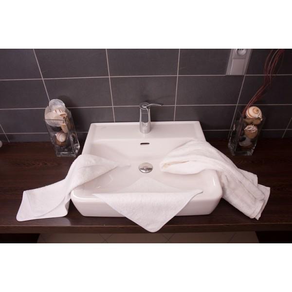 serviette pour les mains 30 x 50 cm 100 coton desineo. Black Bedroom Furniture Sets. Home Design Ideas