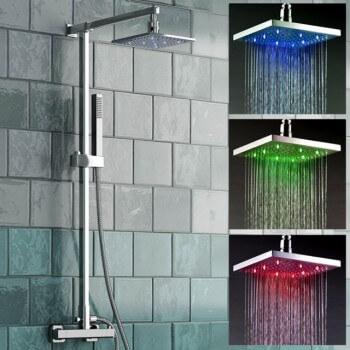 Pommeau de douche carré 3 couleurs à LED en fonctions de la température